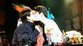 Thành Long và Vương Lực Hoành lại gây sốc vì màn hôn môi đồng tính