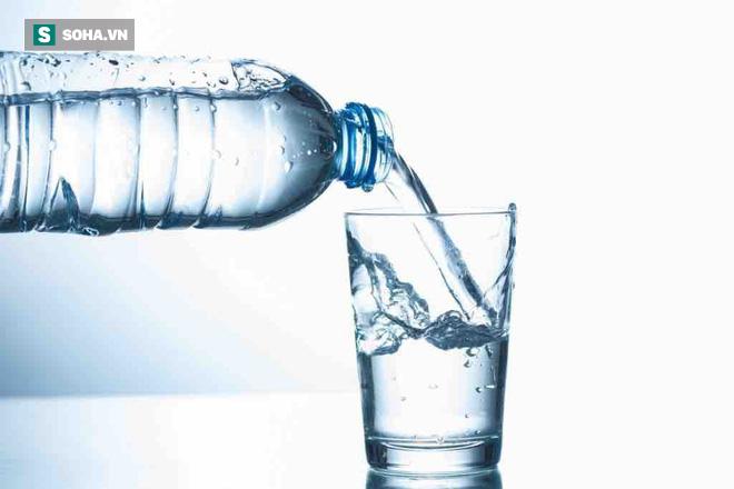 Cách uống nước để điều trị căn bệnh nguy hiểm nhất thế giới: Già trẻ đều nên tham khảo - Ảnh 1.