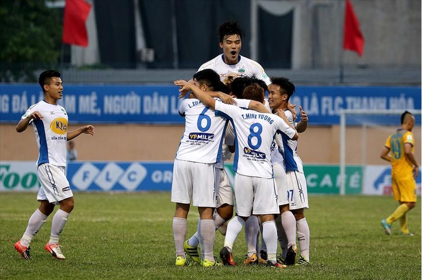 CLB HAGL có trận hòa đáng tiếc trước đội bóng của HLV Miura