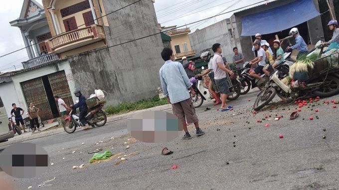 Hải Dương: Hai vợ chồng thương vong sau khi va chạm với xe tải