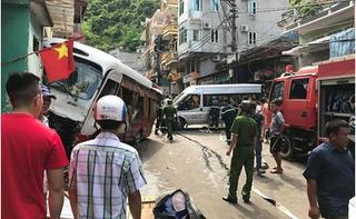 Clip: Xe khách mất phanh lao dốc ở chợ Cát Bà, 10 người bị thương