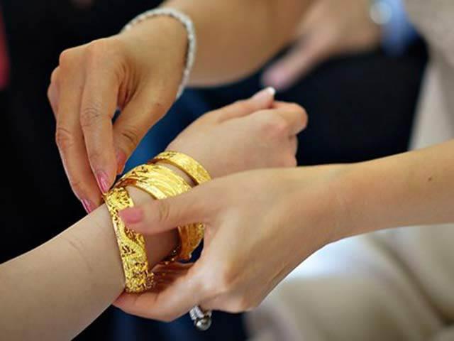 Sự thực về số vàng mẹ chồng tặng con dâu ngày cưới1