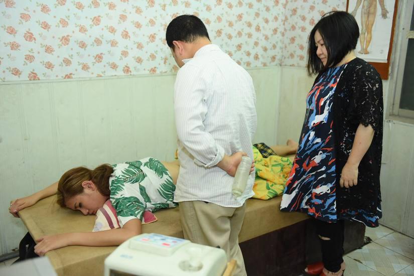 Đang ghi hình The Face, Võ Hoàng Yến phải nhập viện vì căng cơ cột sống
