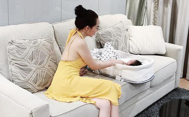 Mẹ U50 của hot mom Ngọc Mon vóc dáng vẫn nuột nuột nà