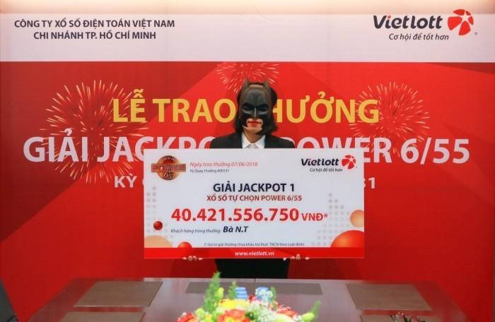 Nữ nhân viên ngân hàng nghỉ việc ngay lập tức khi trúng Vietlott hone 40 tỷ