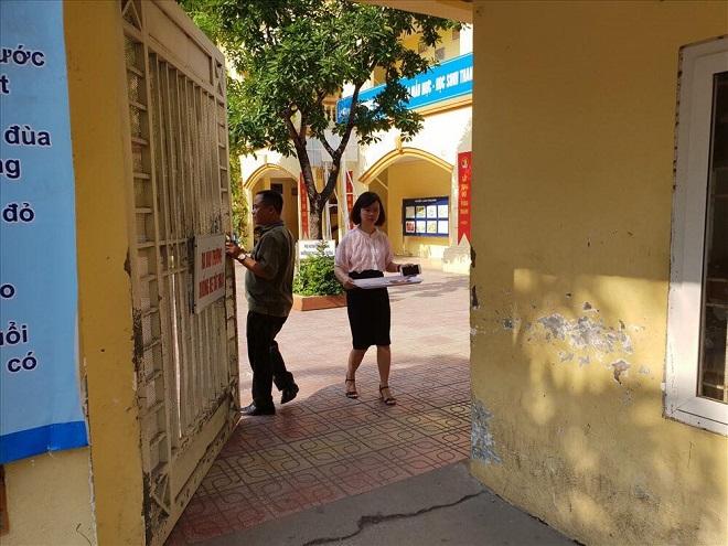 Sở Giáo dục lên tiếng việc người phụ nữ bê phở vào điểm thi trường THCS Phan Đình Giót sau giờ giới nghiêm