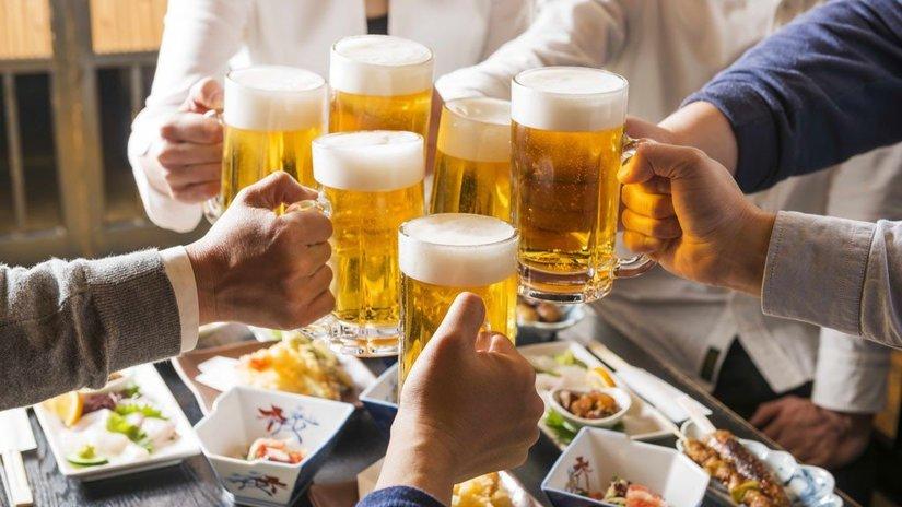 """Việt Nam """"vươn lên"""" top 3 Châu Á về uống rượu bia"""