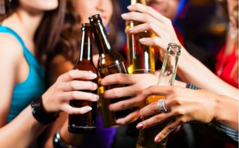 """Việt Nam """"vươn lên"""" top 3 Châu Á về uống rượu bia 2"""