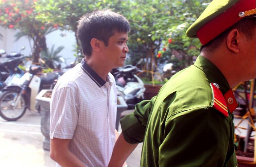 Tuyên án 6 năm tù cho thầy giáo dâm ô 7 nữ sinh ở trường Tiểu học An Thượng A