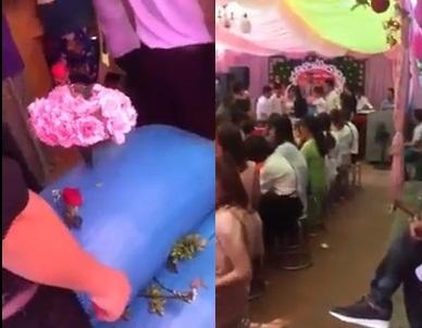Nhóm bạn tặng cô dâu chú rể hẳn 2 bao thóc trong ngày cưới