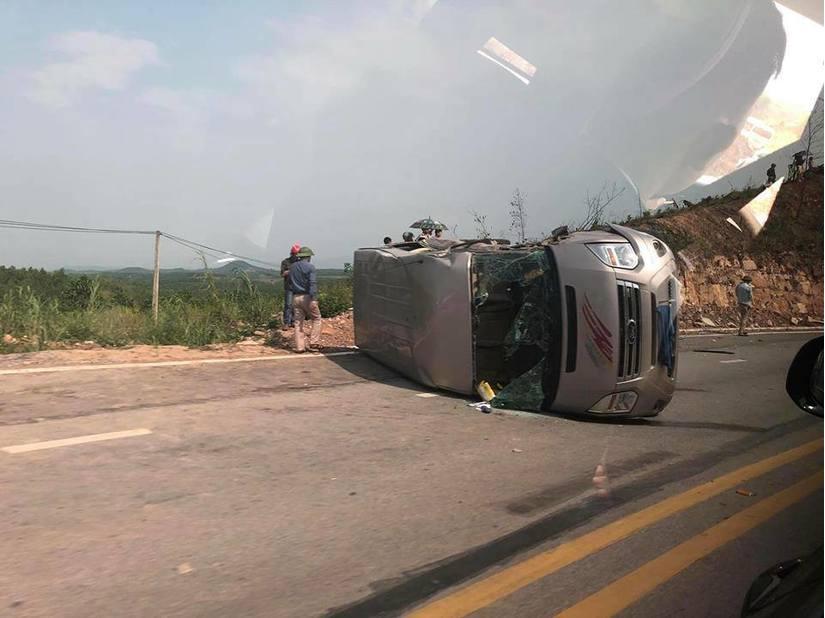 Xác định danh tính nạn nhân bị thương sau vụ tai nạn giao thông giữa xe khách và xe đầu kéo
