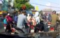 Video: Ngang nhiên móc túi người đi đường khi dừng đèn đỏ