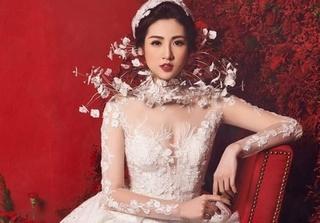 Tú Anh lên  xe hoa với bạn trai cũ của Văn Mai Hương vào ngày 21/7?