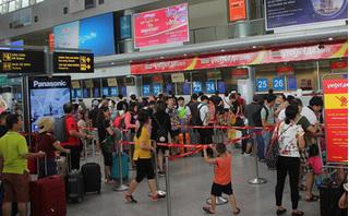 Đề nghị cấm bay hành khách ném điện thoại vào mặt nữ nhân viên Vietjet