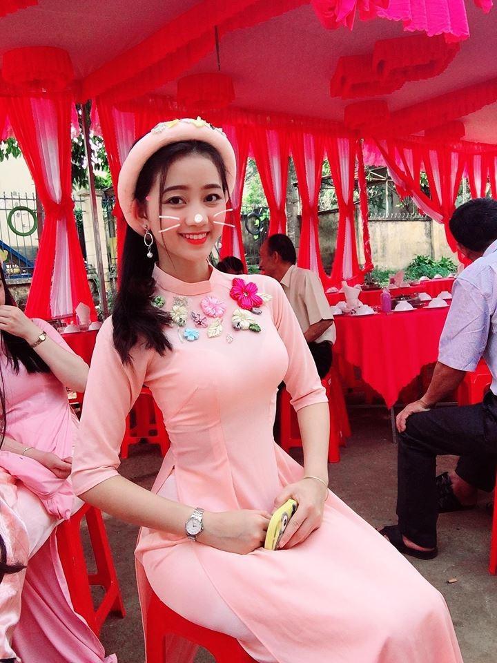 Loạt ảnh đời thường của nữ sinh Đắk Nông bị khóa Facebook6