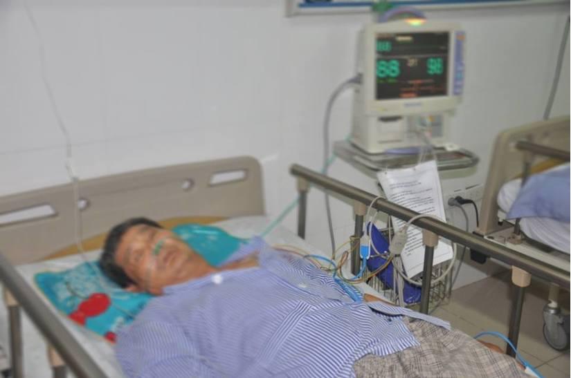 Bệnh nhân tiểu đường bị bỏng độ 3 do chườm nóng bằng lá ngải cứu
