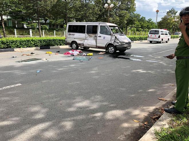 Ô tô 7 chỗ va chạm với xe 16 chỗ khiến 6 người thương vong