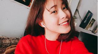 Hoa khôi bóng chuyền 16 tuổi 'thả thính' Bùi Tiến Dũng