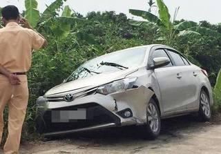 Hải Dương: Cướp ô tô lái ra đường bị tai nạn, đối tượng vứt xe bỏ trốn?
