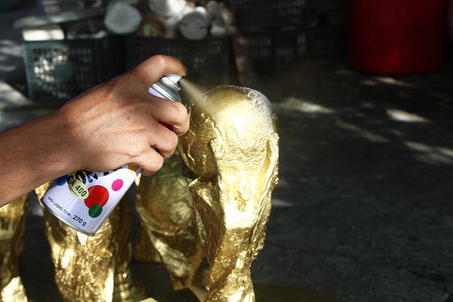 Xưởng sản xuất cup vàng World Cup tại Hà Nội được xuất sang Nga
