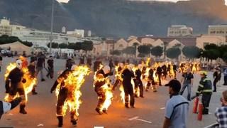 32 người đồng loạt châm lửa tự thiêu để lập kỷ lục Guinness