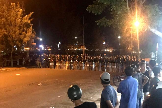 Nhiều người quá khích gây rối ở Bình Thuận khai được cho tiền