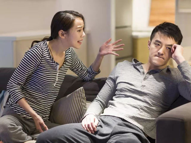 Anh trai nợ tiền 3 lần chưa trả, vợ nói câu cạn tình lạnh người