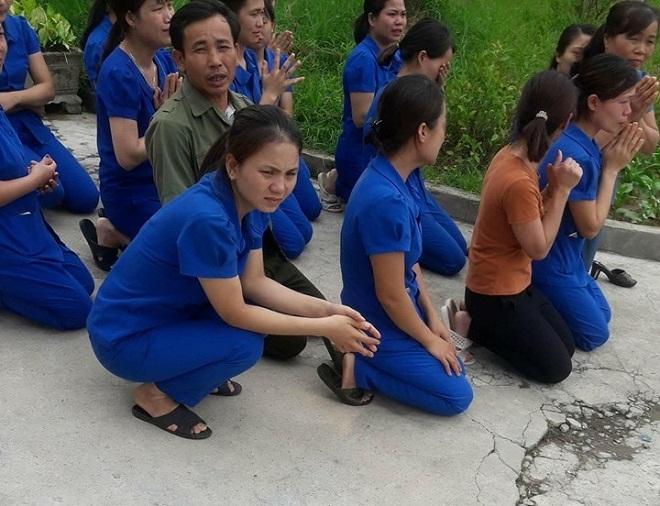 Nghệ An: Nhiều cô giáo mầm non quỳ gối xin trường Mầm non Tuổi thơ hoạt động