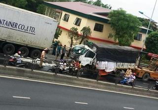 Thanh Hóa: Xe tải tông vào đuôi container, một người tử vong tại chỗ
