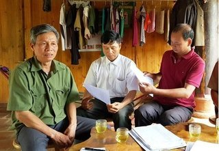 Thanh Hóa: Trưởng thôn tự lập hồ sơ, giả chữ ký 'ăn' tiền hỗ trợ bão lụt