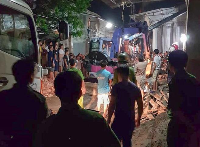Sập ngôi nhà đang xây dựng, 1 người tử vong, 3 người khác bị thương