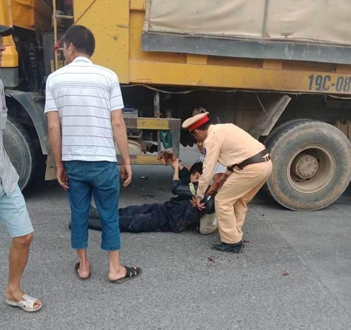 Một Cảnh sát PCCC gặp nạn trên đường đi dập lửa về