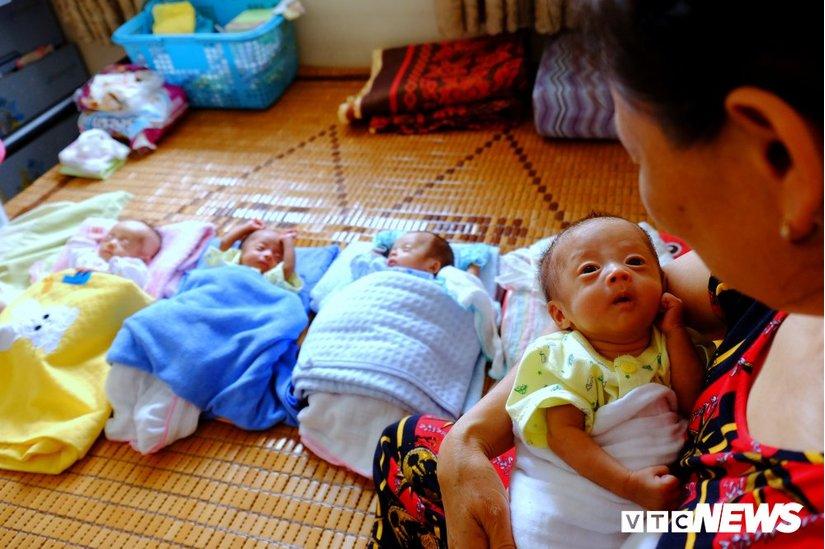 Các bé hiện nặng gấp đôi so với lúc mới chào đời 3