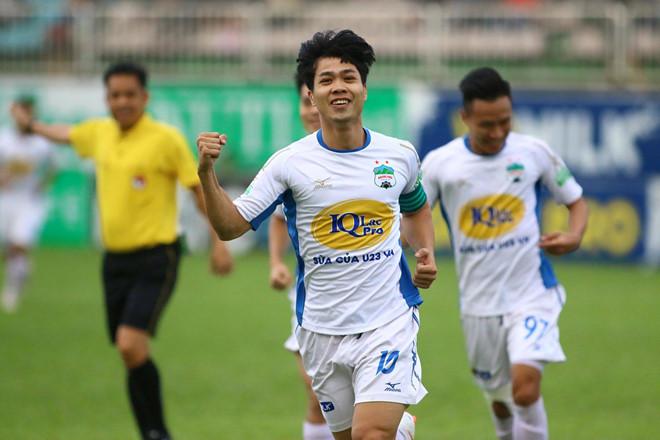 CLB HAGL đã khép lại lượt đi V.League với vị trí thứ 7 trên bảng xếp hạng