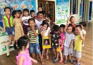 Vụ giáo viên mầm non quỳ gối ở Nghệ An: Vì sao Sở Tài chính ra 2 văn bản khác nhau trong vòng 10 ngày?