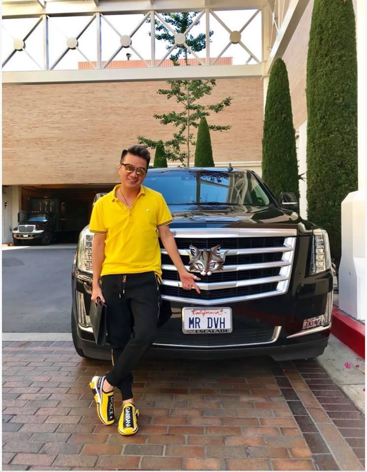 Đàm Vĩnh Hưng tạo dáng 'độc' bên siêu xe Cadillac chuyên dành cho nguyên thủ quốc gia