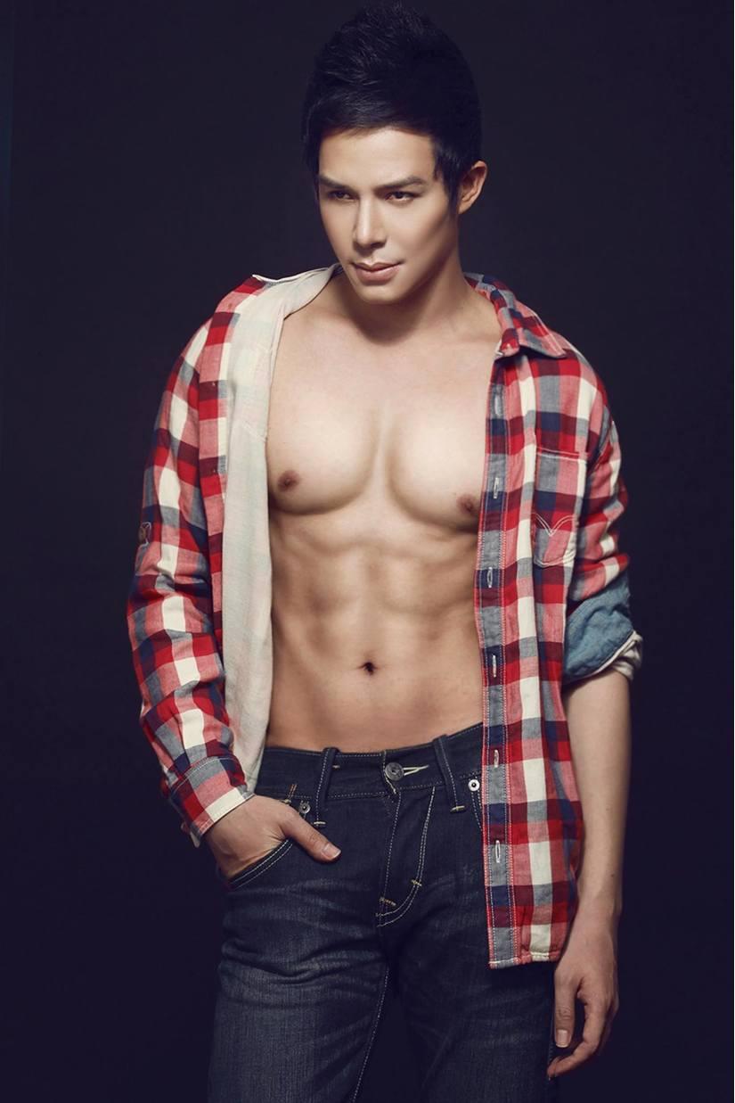 Ca sĩ, người mẫu Nathan Lee: Hít đất 3.000 cái/1 ngày