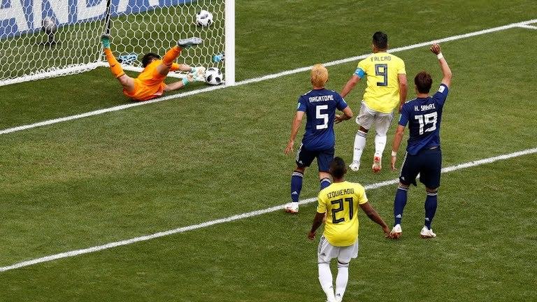 đội tuyển Nhật Bản tạo ra thế trận cân bằng với đối thủ Colombia.