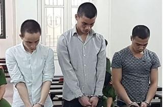 Hà Nội: Rủ bé gái mới quen nhậu đến say xỉn, 3 thanh niên thay nhau hãm hiếp