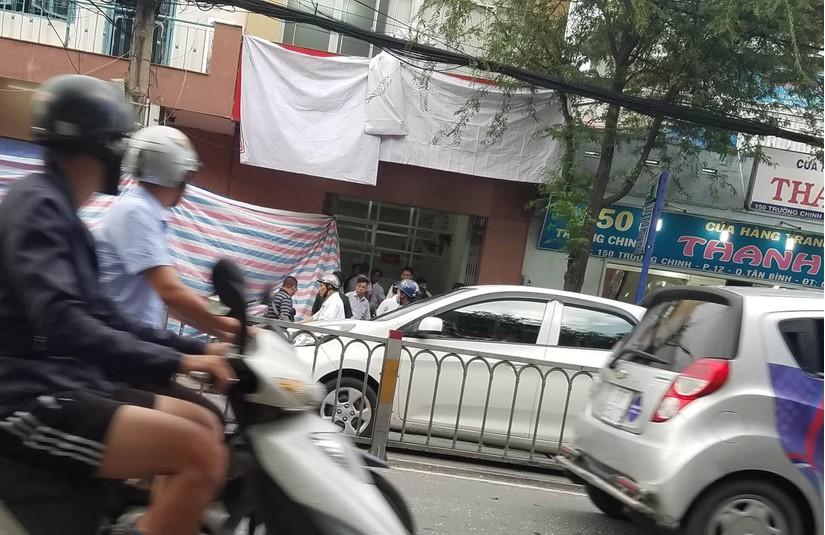 Nổ tại trụ sở công an phường, nữ cán bộ bị thương