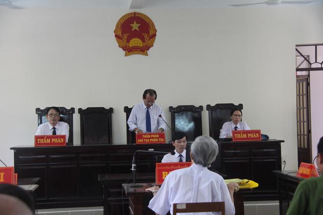 Ông Huỳnh Ngọc Thiện có vi phạm khi tuyên Nguyễn Khắc Thủy án treo