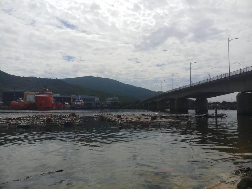Phát hiện thi thể người phụ nữ trên sông, tay chân bị chói chặt
