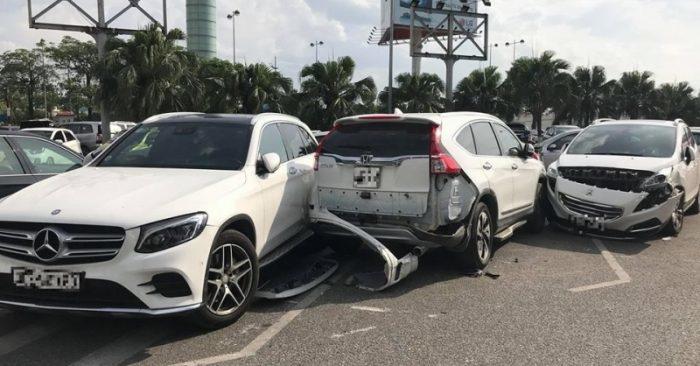 Tài xế gây hư hỏng 4 ôtô tại sân bay Nội Bài rồi bỏ chạy3