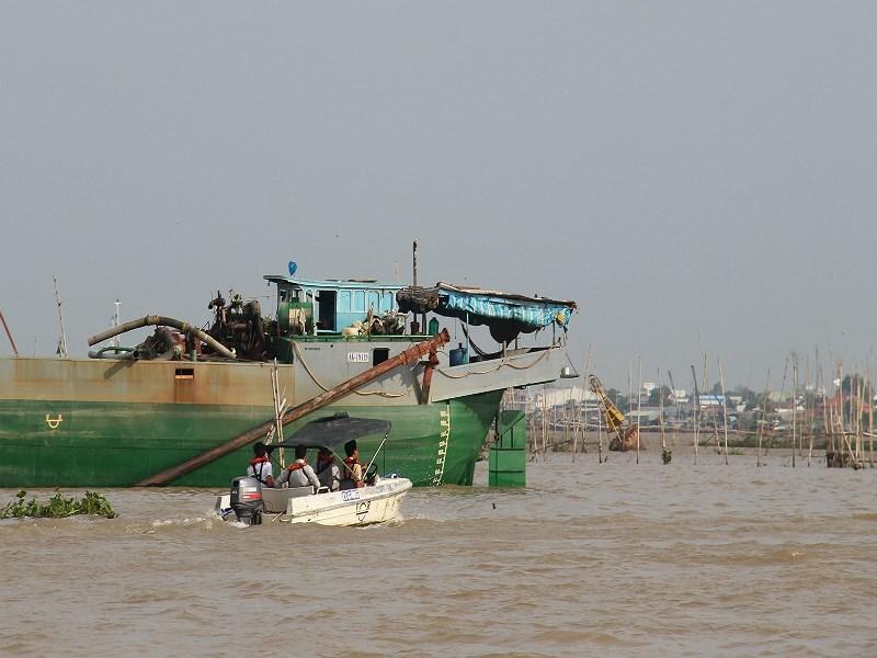 Tìm thấy thi thể Đại úy công an sau 1 tuần mất tích trên sông Hậu