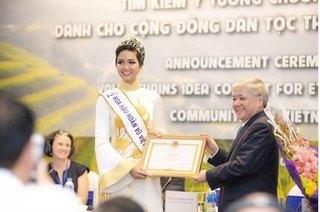 Hoa hậu H'Hen Niê được trao bằng khen vì có thành tích truyền cảm hứng