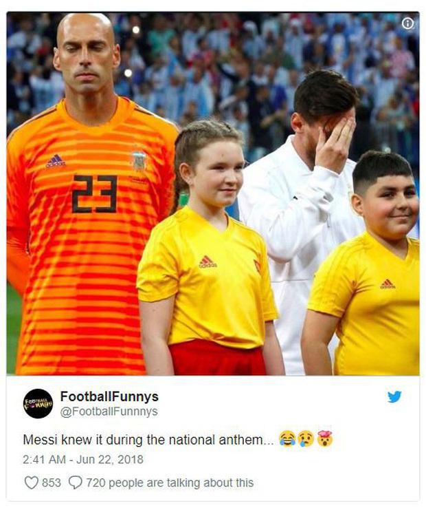 Bức ảnh Messi ôm mặt từ trước khi gặp Croatia, phải chăng linh cảm về trận thua thảm