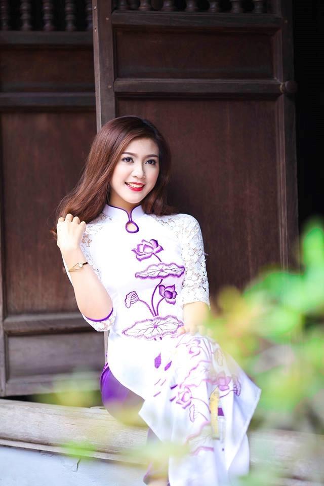 MC Việt mặc bikini dẫn World Cup 2018 lên tiếng sau bão chỉ trích