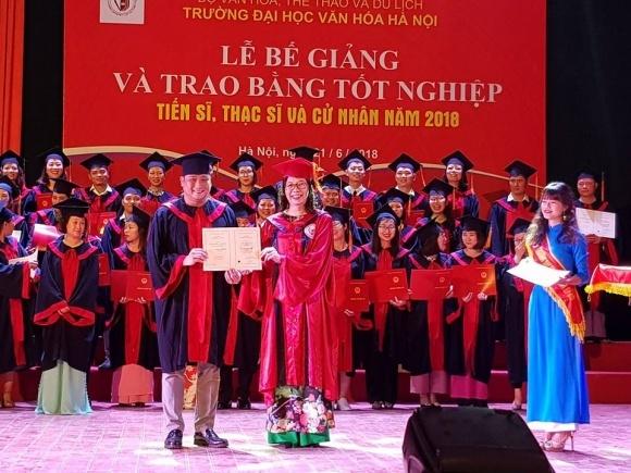 Diễn viên Minh Tiệp nhận bằng thạc sĩ văn hóa