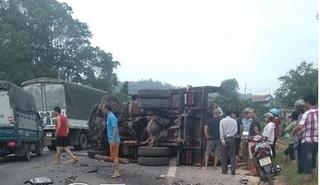 Lạng Sơn: Xe tải chở gỗ gây tai nạn liên hoàn, 1 người bị thương nặng