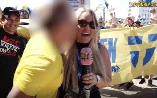 Lại thêm nữ phóng viên World Cup bị 'cưỡng hôn' khi lên sóng